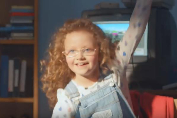 KFC Television Commercial for young actress Maya