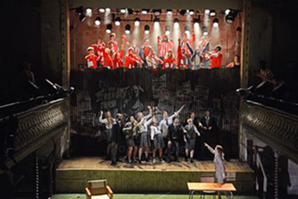 Zoë Joins the National Youth Theatre Company performing in Zigger Zagger